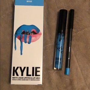 Kylie Cosmetics Makeup - Kylie matte liquid lipstick & lip liner, skylie